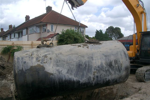 Lifting a redundant tank whole from the ground